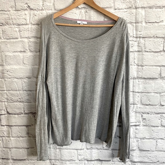 H by HALSTON Gray Long Sleeved Sweater